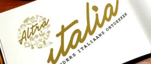 logo in boek Altraitalia zakelijk